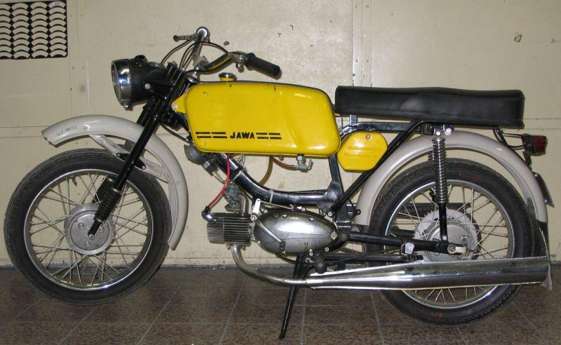 Jawa 223 Mustang z roku 1982 s tyristorovým zapalováním