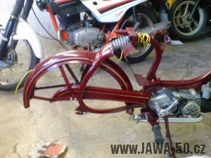 Renovace Jawa 550 Pionýr z roku 1958 - zadní blatník a kryt řetězu