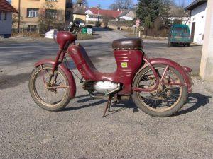 Motocykl Jawa 550 Pionýr (Pařez) z roku 1958 v původním stavu