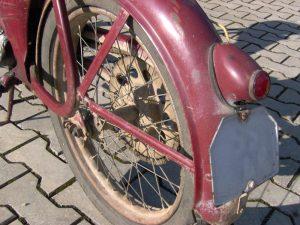 Im000290Motocykl Jawa 550 Pionýr (Pařez) z roku 1958 v původním stavu - zadní blatník