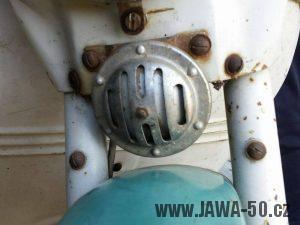 Jawa 05 z roku 1963 - bzučák ze staršího modelu Jawa 555
