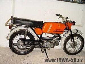 Vývozní motocykl Jawa 50 typ 23B Golden Sport pro Německo - zprava