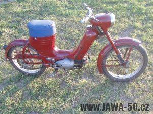 Jawa 50 typ 550 Pionýr (pařez) z roku 1958 v původním stavu