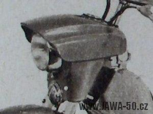 Prototyp Jawa 05 - předsériové uchycení masky předního světlometu