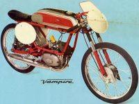 Motocykl Italjet Vampiro v originálním italském provedení