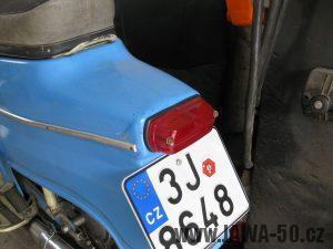 Motocykl Jawa 05 z roku 1962 v původním stavu - zadní světlo ČZ