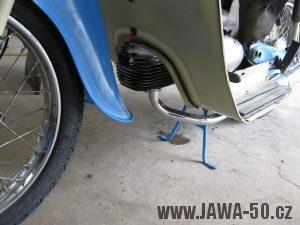 Motocykl Jawa 05 z roku 1962 v původním stavu - výfukové koleno, stojan