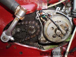 Vývozní (exportní) motocykl Jawa 50 typ 05 Pionýr z roku 1963 pro USA a Kanadu s ukazateli směru, brzdovým světlem a plexi štítem - zapalování (magneto)