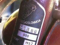 Motocykl Manet 550 (Jawa 550 Pionýr) - atypický kus, výrobní štítek