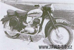 Prototyp Motocyklu Jawa 250 kývačka