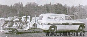 Jawa upevňuje pozici v celém světě, servisní vůz příváží Jawu do Švýcarska