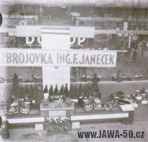 Stánek Jawy na Pražském autosalónu