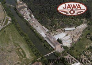 Letecký pohled na továrnu Jawa v Týnci