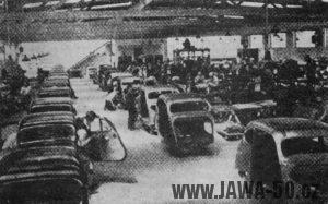 Záběr z Kvasin a Solnice, kde vznikaly karosérie automobilů Jawa