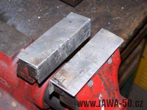 Svěrák s podložnými hliníkovými plechy