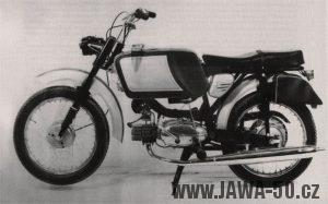Italský motocykl Mustang s podvozkem Jawa 05