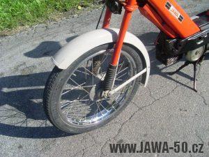 Vývozní moped Jawa 50 typ 207-356 Babetta - přední kolo s náhonem tachometru
