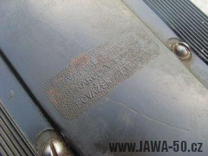 Vývozní moped Jawa 50 typ 207-356 Babetta - kryt nad motorem