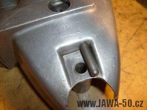Osa vypínací páčky spojky pravého víka motoru Jawa 20