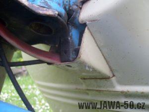 Revmaplech Jawa 05 - starší provedení, uchycení k dorazu řízení