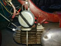 Motocykl Jawa 50 typ 550 Pionýr (pařez) z roku 1958 v originálním stavu - v roce 1958 již nadradiční karburátor Jikov 2912