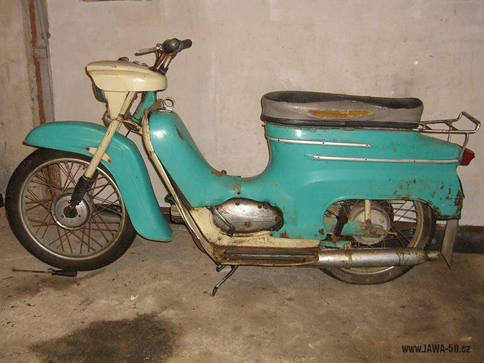 Motocykl Jawa 05 Pionýr z roku 1963 v původním stavu