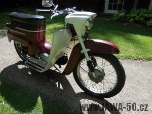 Vývozní motocykl Jawa 50 typ 05 pionýr z roku 1964 pro USA - přední kolo
