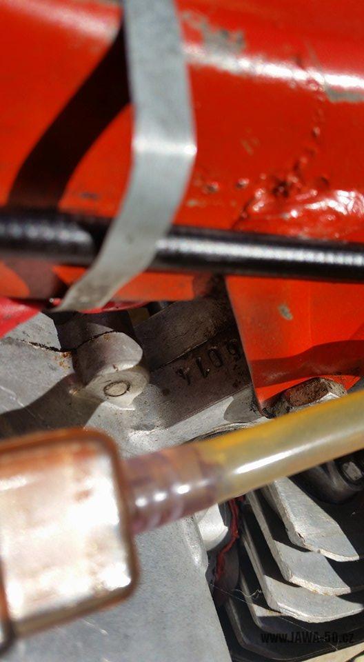 Motocykl Jawa 20 Pionýr z roku 1968 s atypickým výrobním číslem v původním stavu - výrobní číslo motoru