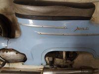 Motocykl Jawa 50 typ 20 Pionýr z roku 1969 holubí modř v původním stavu - zadní blatník s linkami a nápisem