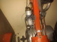 Motocykl Jawa 50 typ 20 Pionýr z roku 1969 v původním stavu - prostor nad motorem, indukční cívka