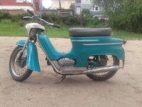 Motocykl Jawa 50 typ 20 Pionýr z roku 1971 v původním stavu, odstín modř tyrkysová