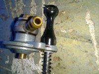 Karburátor Jikov 2912 - novější verze - víčko plovákové komory