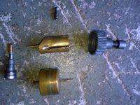 Karburátor Jikov 2912 - novější verze - plovák, šoupátko a víčko