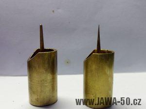 Šoupátka s jehlami nové a staré verze karburátoru Jikov 2912 (Jawa 550 Pařez)