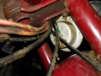 Motocykl Jawa 50 typ 555 Pionýr z roku 1960 v původním stavu - klakson (bzučák), vedení elektroinstalace, lanovody (bowdeny)