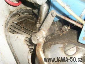 Motor Jawa 20 (1972 - 1979) - řadící páka