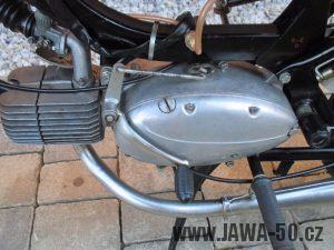 Motor Jawa 23 (1982) - řadící páka