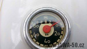 Vývozní (exportní) motocykl Jawa 05 Standard z roku 1965 pro východní Německo - tachometr