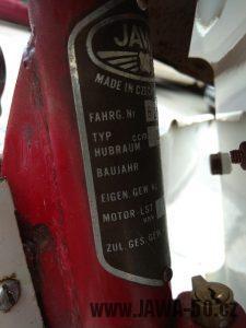 Vývozní (exportní) motocykl Jawa 05 Standard z roku 1965 pro východní Německo - výrobní štítek