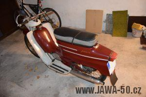 Motocykl Jawa 05 Pionýr z roku 1965 v originálním stavu
