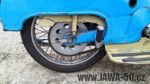 Motocykl Jawa 05 Pionýr z roku 1962 v originálním stavu - řetězové kolo (rozeta) + kryt řetězu