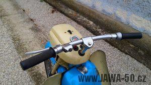 Motocykl Jawa 05 Pionýr z roku 1962 v originálním stavu - řídítka