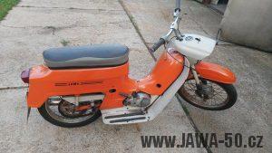 Motocykl Jawa 220.100 Pionýr z roku 1980 v originálním stavu
