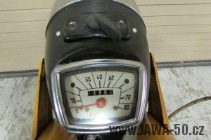 První provedení vývozního motocyklu Jawa 23 Golden Sport z roku 1971 v původním stavu - tachometr PAL v mílích