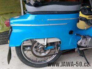 Jawa 50 typ 21 Sport (Pionýr) z roku 1974 - plechy bez linkování, pouze s nápisy Jawa 21