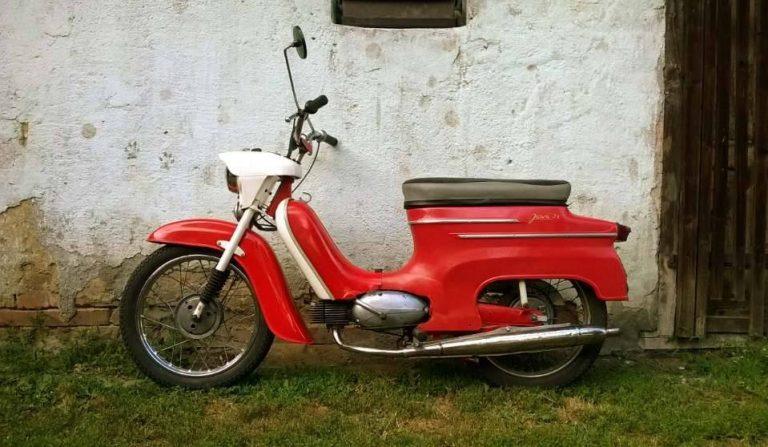 Motocykl Jawa 50 typ 21 Sport (Pionýr) - první provedení z roku 1968