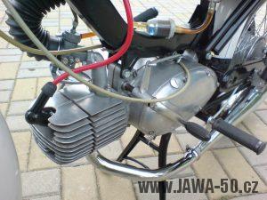 Motocykl Jawa 50 typ 23A Mustang z roku 1971 (druhá výrobní etapa) - motor