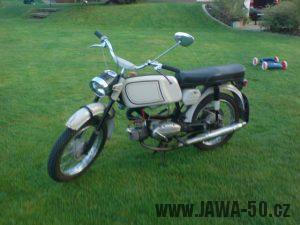 Motocykl Jawa 50 typ 23A Mustang z roku 1971 (druhá výrobní etapa)