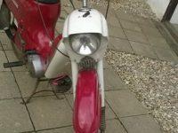 Motocykl Jawa 221 Pionýr z roku 1977, poslední vyráběné provedení - předek motocyklu a řídítka