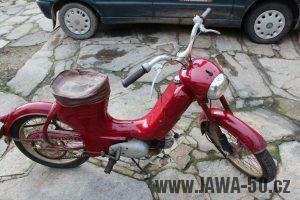 Nejstarší dochovaný kus motocyklu Jawa 550 Pionýr (pařez) v půvoNejstarší dochovaný kus motocyklu Jawa 550 Pionýr (pařez) v původním originálním stavudním originálním stavu